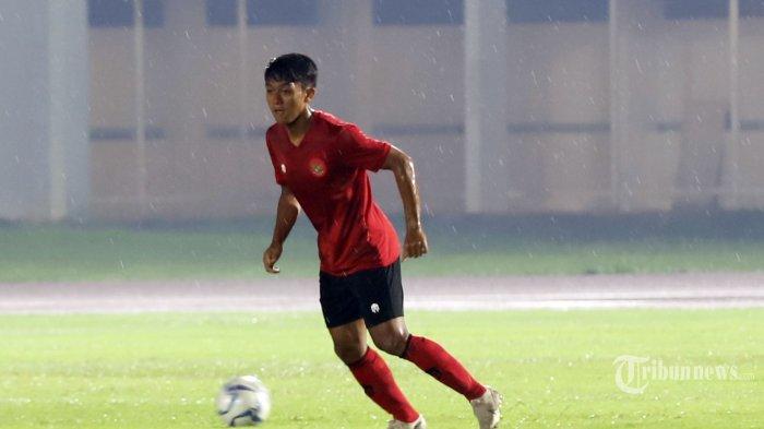 Pemain Tim Nasional Indonesia Senior Febri Haryadi saat mengikuti latihan bersama di Stadion Madya, Senayan, Jakarta Pusat, Senin (17/2/2020). Latihan ini menjadi bagian dari persiapan menghadapi lanjutan Kualifikasi Piala Dunia 2022 melawan Thailand (26 Maret) dan Uni Emirat Arab (31 Maret). Tribunnews/Jeprima