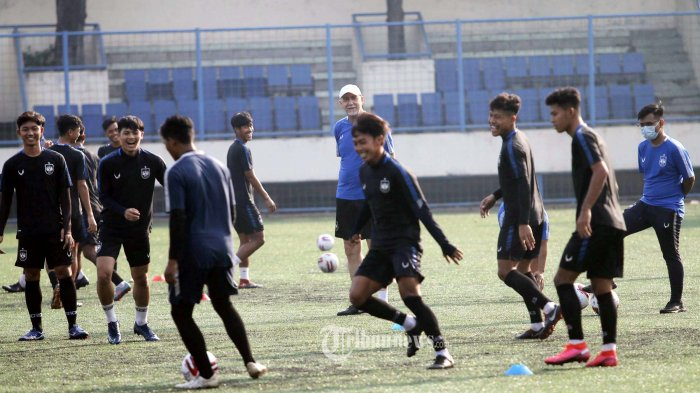 Persiapan PSIS Semarang Tatap Liga 1 2021, Dragan Djukanovic Beri Latihan Taktikal