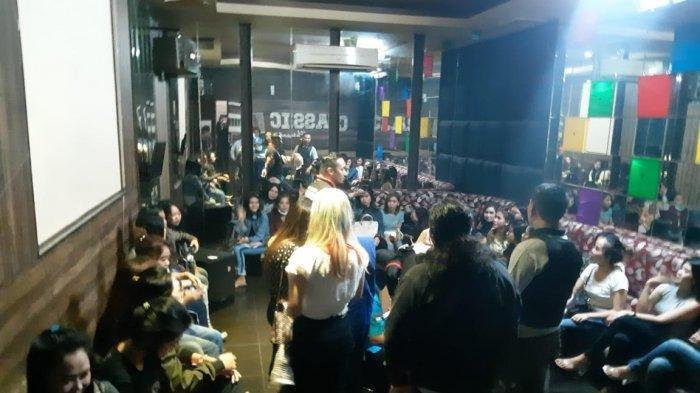 Bareskrim Geledah Tempat Karaoke di BSD, 47 Pemandu Lagu hingga Muncikari Diamankan