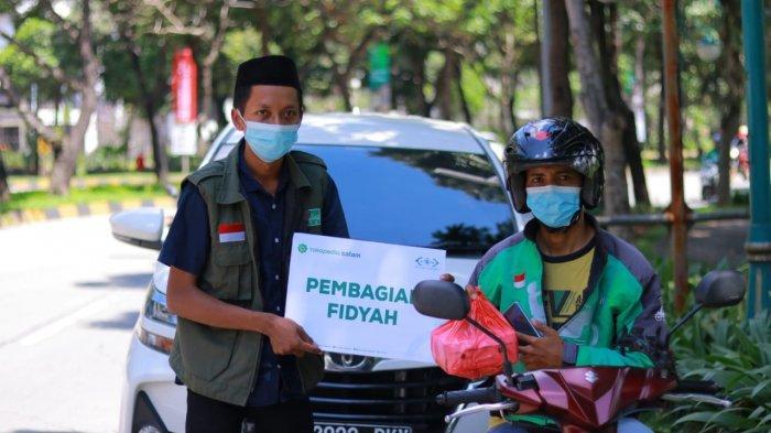 NU Care-LAZISNU Bagikan Fidyah untuk Dhuafa di Bekasi