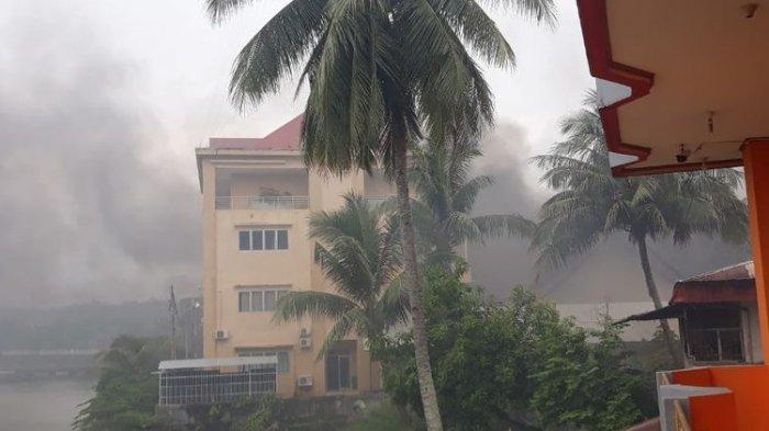 Pembakaran Gedung DPRD Papua Barat di Manokwari, Senin (19/8/2019).