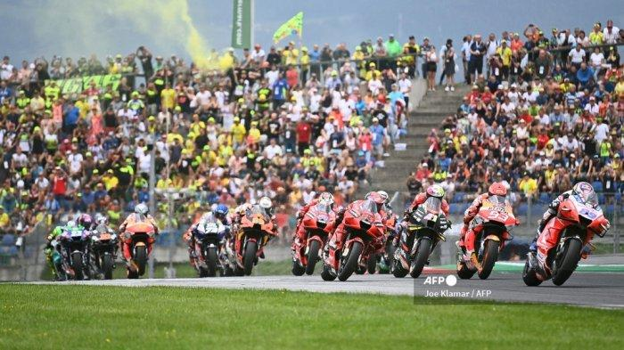 Hasil <a href='https://manado.tribunnews.com/tag/motogp-austria' title='MotoGPAustria'>MotoGPAustria</a> 2021 Malam Ini - <a href='https://manado.tribunnews.com/tag/brad-binder' title='BradBinder'>BradBinder</a> Juara, Rossi ke-8 dan Drama Race Akibat Cuaca