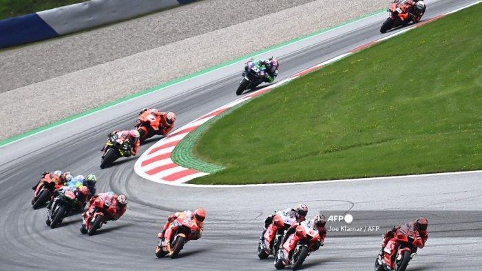 Pembalap bersaing selama Grand Prix Sepeda Motor Austria di trek balap Red Bull Ring di Spielberg, Austria pada 15 Agustus 2021.