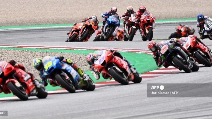 Pembalap bersaing selama Grand Prix Sepeda Motor Styrian di trek balap Red Bull Ring di Spielberg, Austria pada 8 Agustus 2021.