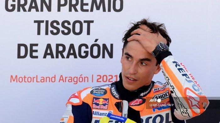 Pembalap Honda Spanyol Marc Marquez bereaksi setelah Moto Grand Prix Aragon di sirkuit Motorland di Alcaniz pada 12 September 2021.