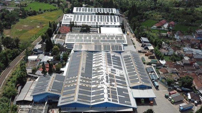 Danone-Aqua Resmi Operasikan PLTS Atap Keempat di Pabrik Mekarsari