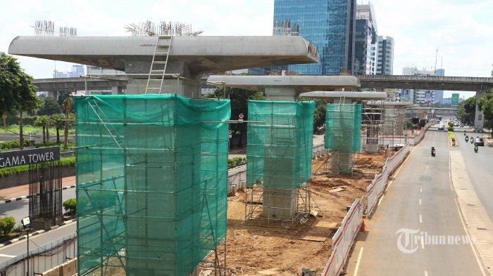 Ajak INKA, Luhut Berharap Nilai Investasi LRT Bisa Turun