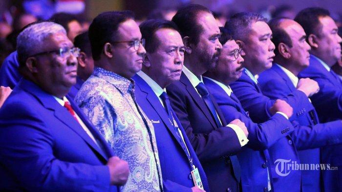 Ketua Umum Partai Nasdem Surya Paloh (keempat kiri) bersama Gubernur DKI Jakarta Anies Baswedan (kedua kiri) saat menghadiri Kongres II dan Hut ke-8 Partai Nasdem di Jakarta, Jumat (8/11/2019). Kongres II Partai Nasdem tersebut mengambil tema 'Restorasi Untuk Indonesia Maju'. TRIBUNNEWS/IRWAN RISMAWAN