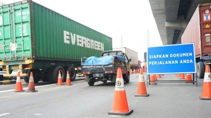 Hari Pertama Lebaran 896 Kendaraan Diminta Putar Balik di Gerbang Tol Cikarang Barat