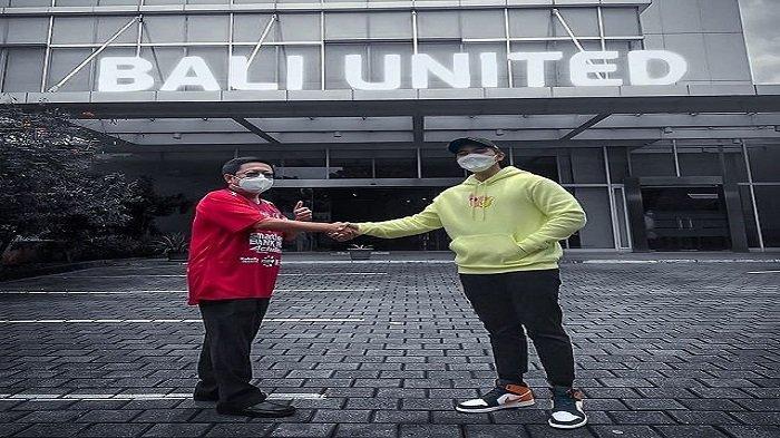 Salaman dengan Pemilik Bali United, Kaesang Pangarep Mau Beli Tim Bola?