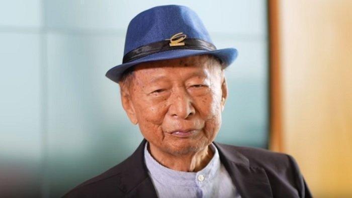 Pemilik perusahaan Ciputra Grup, Ir. Ciputra atau Tjie Tjin Hoan yang dikabarkan meninggal dunia