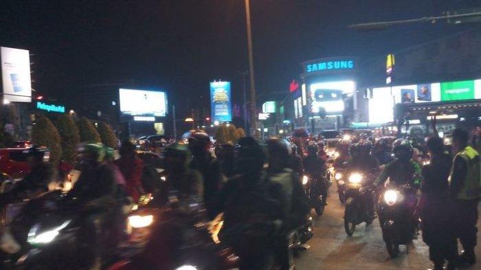 Pemudik Sepeda Motor Padati Jalur Pantai Utara Jawa, Pilih Perjalanan Malam