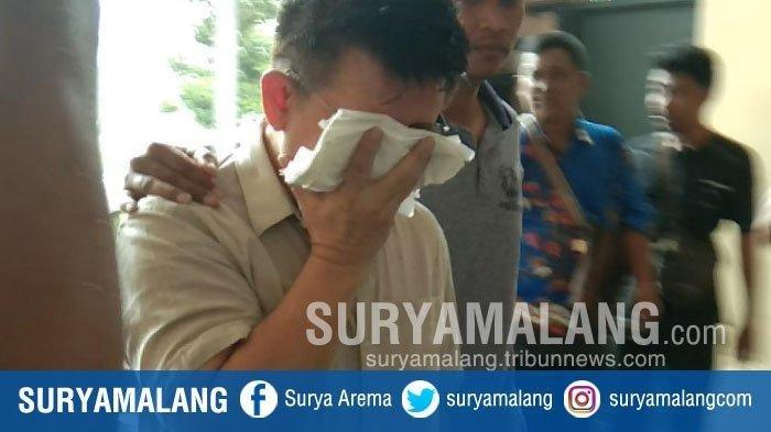 Pemuka agama di Surabaya berinisial HL (50) diduga memperdayai cewek berinisial IW (26) selama enam tahun