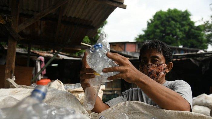Kebahagiaan Pemulung di Pulogadung Dapat Bantuan Jelang HUT Bhayangkara: Semoga Polri Makin Dicintai
