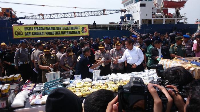 Ricky Bom Bom Narapidana Di Lapas Cipinang Kendalikan Pengiriman Narkoba dari Malaysia Ke Cirebon