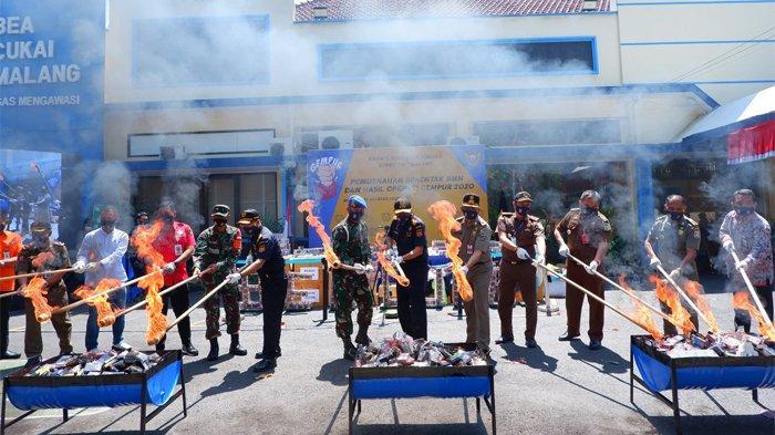 Barang Ilegal Senilai Lebih Dari Rp3 M Dimusnahkan Jajaran Bea Cukai Jawa Timur II Secara Serentak