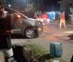 Suasana penangkapan narkoba di Kelurahan Bajoe, Kecamatan Tanete Riattang Timur, Kabupaten Bone, Minggu (18/4/2021).