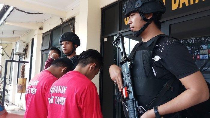 Hindari Kejaran Polisi, 2 Pelaku Pencurian Monitor Alat Berat Sembunyi di Dasar Kali