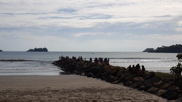 Siti Ditemukan Tak Bernyawa di Pantai Kleopatra, Dua Anaknya yang Juga Tenggelam Belum Ditemukan