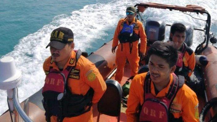 Tim SAR Tanjungpinang mencari kakek berumur 72 tahun yang menghilang saat naik sampan di laut Lingga.