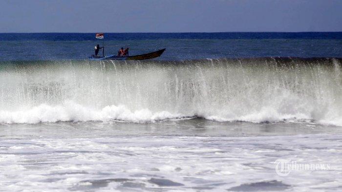 Video Ombak Tinggi di Manado, BMKG Beri Peringatan Dini Gelombang Pasang Laut Sulawesi