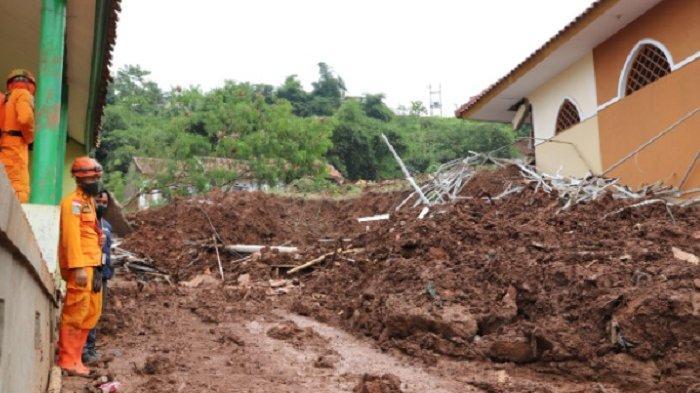 BMKG: Waspadai Potensi Cuaca Ekstrem, Banjir Bandang dan Tanah Longsor Hingga 20 September