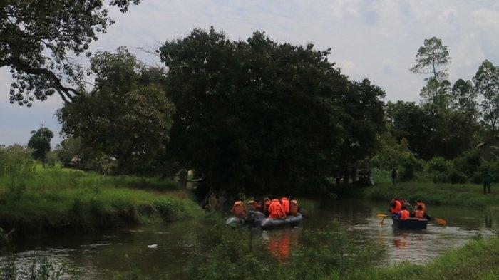 Tunggu Kabar Anaknya Yang Tenggelam Ditemukan, Ponijam Tak Bisa Tidur Sejak Semalam