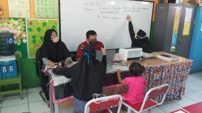 Pemprov DKI Berlakukan PPDB 2020 Agar Anak Keluarga Miskin Tak Tersingkir Oleh Jalur Zonasi