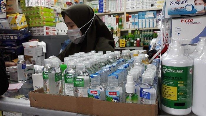 Harga Hand Sanitizer di Pasar Pramuka Jakarta Timur Meroket, Paling Murah  Rp 25 Ribu - Tribunnews.com Mobile