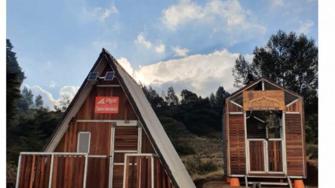 Produsen Lokal Peralatan Outdoor Komitmen Bangun Shelter Emergency di Pegunungan Indonesia
