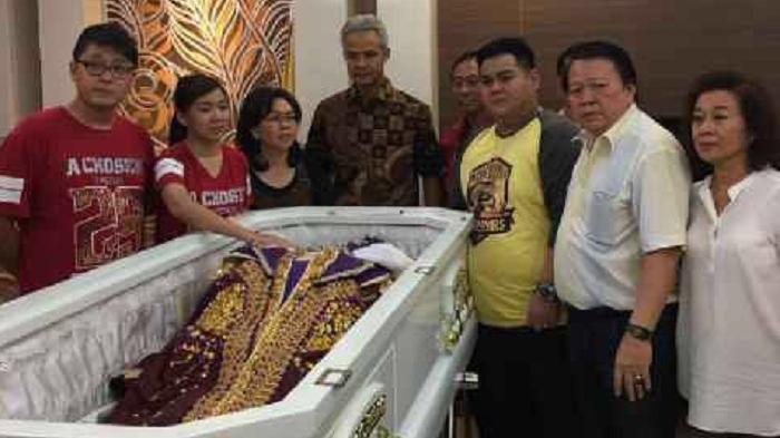 Kisah Sopir Taksi Muslim di Pemakaman Pendeta Petrus Agung
