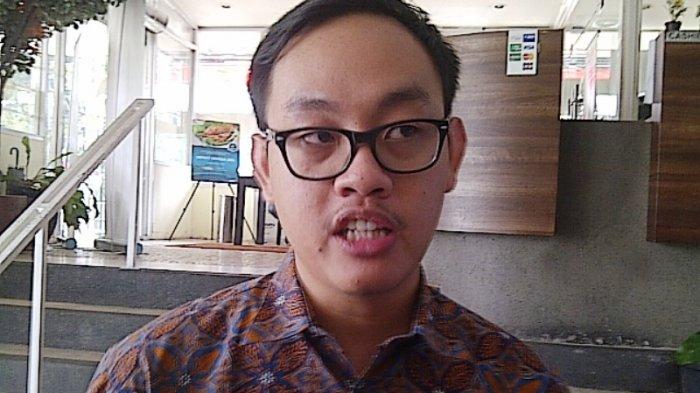 Ini Alasan Ekonom Muda Bhima Yudhistira Menantang Debat Stafsus Jokowi Belva Devara