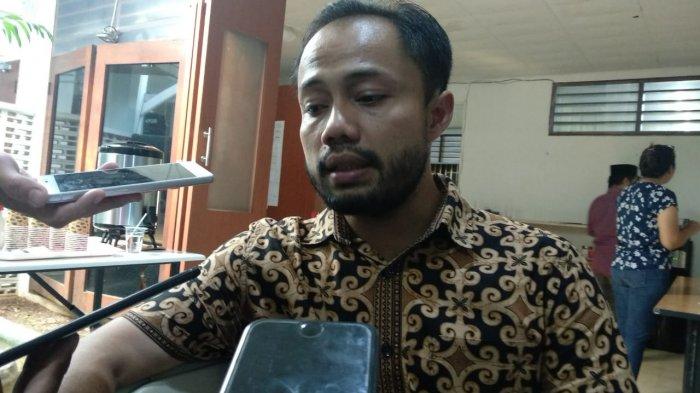 Koordinator Divisi Korupsi Politik ICW, Donal Fariz