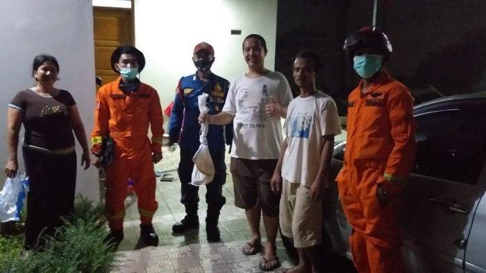 Penemuan Ular Kobra 1,5 Meter di Jagakarsa, Sembunyi di Garasi Mobil Milik Warga
