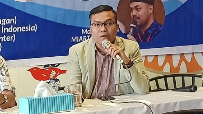 Pengamat Politik Voxpol Pangi Syarwi saat berbicara di Hotel Ibis Cikini, Jakarta Pusat, Rabu (13/11/2019).