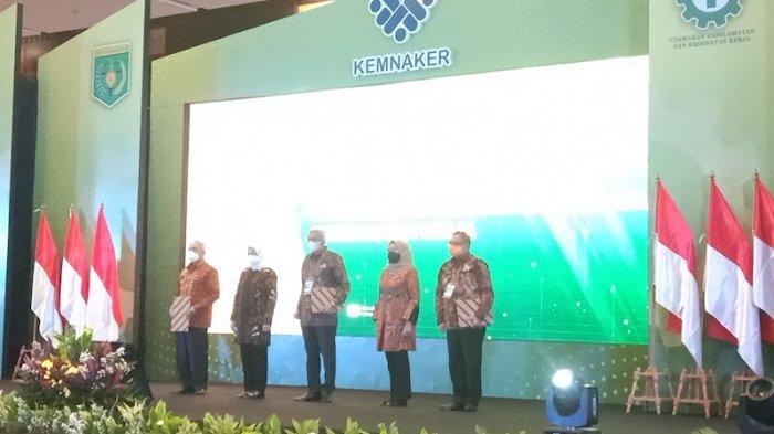 Acara penganugerahan penghargaan K3 di Jakarta, Rabu (28/4/2021).