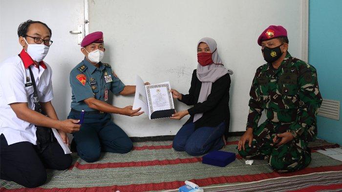 Penganugerahan Tanda Jasa Adibhakti Sanapati Pada Personil Persandian KRI Nanggala-402