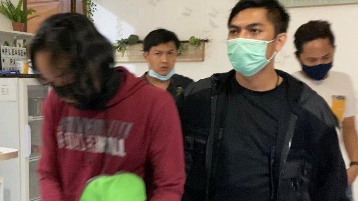Polres Metro Jakarta Barat menangkap satu pelaku pengedar narkoba ke aktor Ridho Ilahi, Senin (29/6/2020) malam.