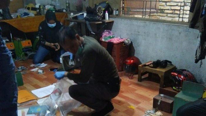 Pengeledahan di rumah terduga teroris, di Jalan Gambir