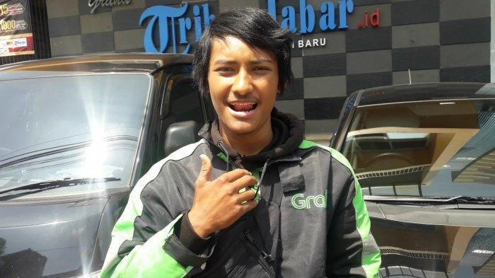 Pemuda Tuna Rungu Ini Pilih Tinggalkan Garut dan Jadi Ojol di Bandung, Ini Lika-Liku Dia Jadi Ojol
