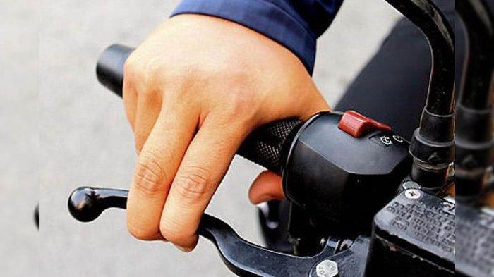 Menempelkan Jari Tangan di Tuas Rem Motor Ternyata Kurang Menguntungkan, Ini Cara Pengereman Darurat