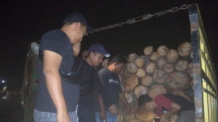 Sopir Coba Tipu Polisi Pakai 'Modus Tumpuk, 2 Truk Muat Kayu Illegal Diamankan Tim Polres Tebo