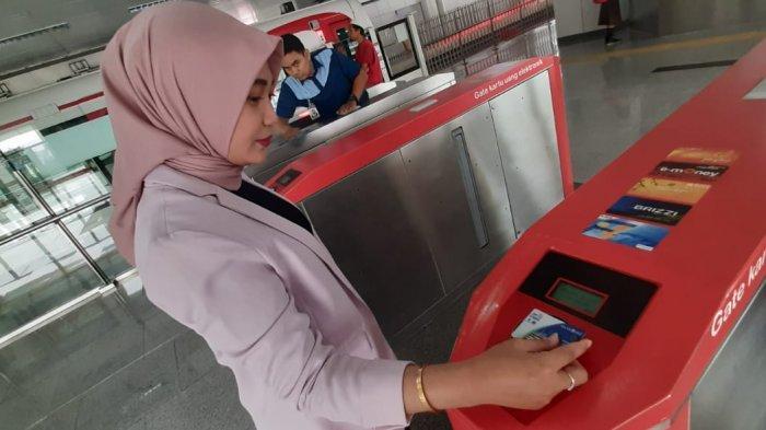 Batasi Transaksi Tunai saat PSBB, Pengguna JakLingko Bisa Topup Saldo dengan JakOne Mobile