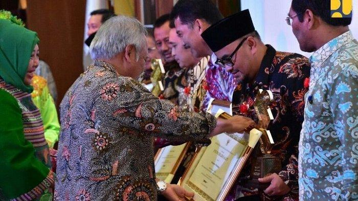 17 Pemda Raih Penghargaan PUPR Tahun 2018