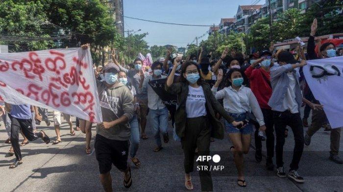Junta Myanmar Berlakukan Darurat Militer, Salahkan Teroris atas Serangan di Kantor Polisi dan Bank