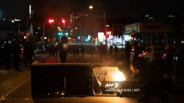 Philadelphia Diguncang Kerusuhan setelah Polisi Tembak Mati Pria Kulit Hitam
