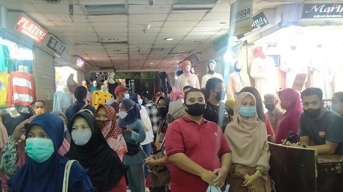 Pengunjung Pasar Tanah Abang Capai 100 Ribu Orang, Anies Ungkap Stategi Kendalikan Kerumunan