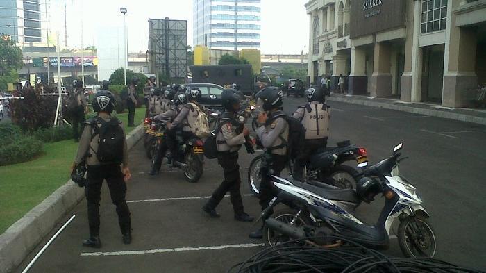 'Ada Apa Ya Kok Banyak Polisi di MOI'