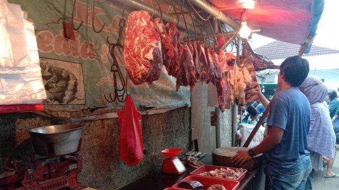 Pedagang Daging Sapi Kembali Berjualan : Bukannya Turun, Harga Daging Makin Naik