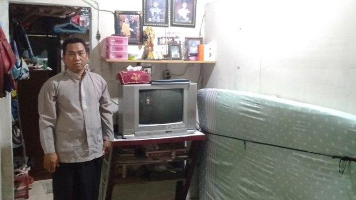 Penjual Sepatu Keliling Kaget Dituduh Punya 3 Mobil Mewah, KJP Anaknya Terancam Dicabut